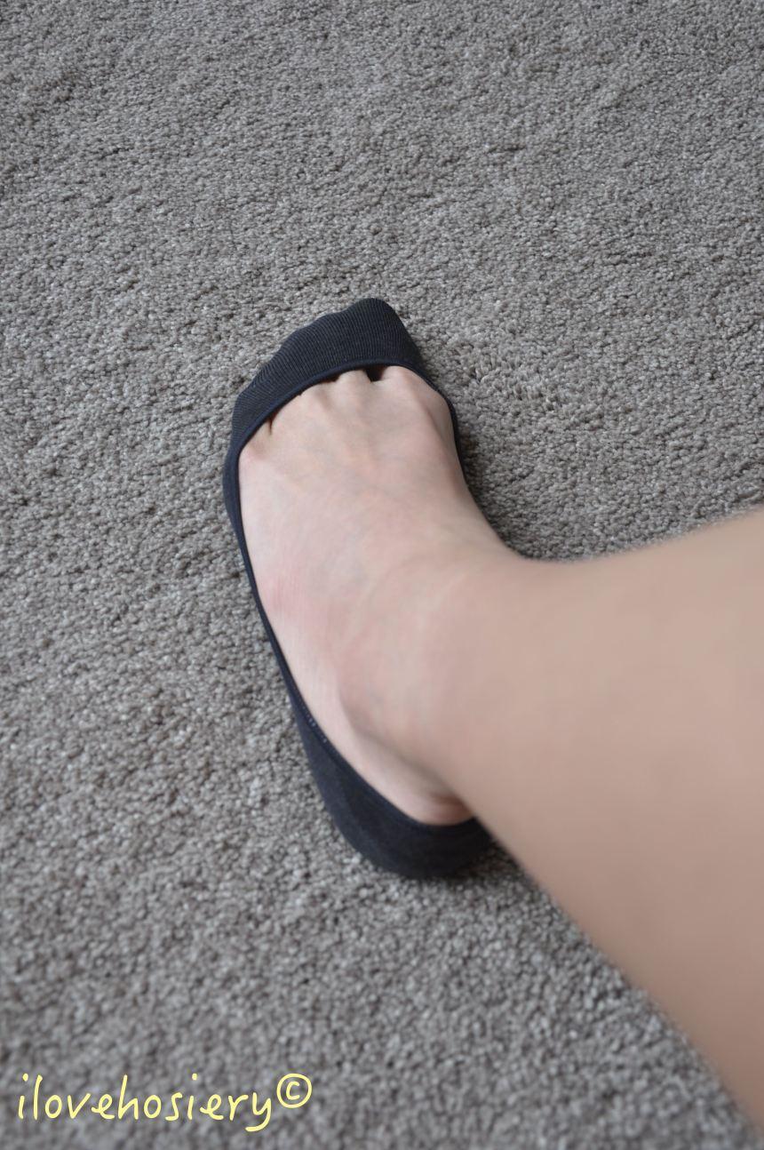 snug-footlets-04